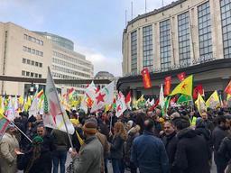 Offensive turque en Syrie - Bruxelles: manifestation kurde anti-Erdogan à la gare centrale