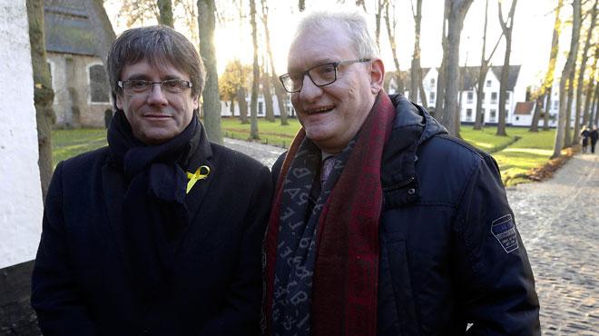 Puigdemont aurait négocié avec la N-VA pour prononcer son discours d'investiture au Parlement flamand