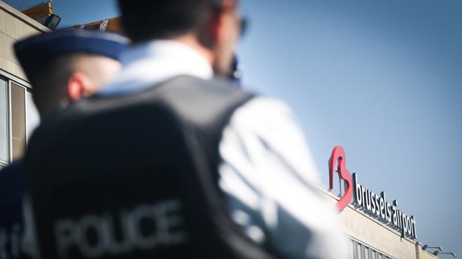Un Hongrois arrêté à Brussels Airport: il dissimulait 2 kilos de cocaïne dans le double fond de sa valise