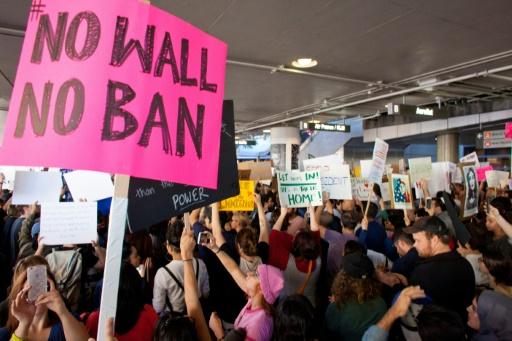 Les Etats-Unis lèvent l'interdiction visant les réfugiés de 11 pays