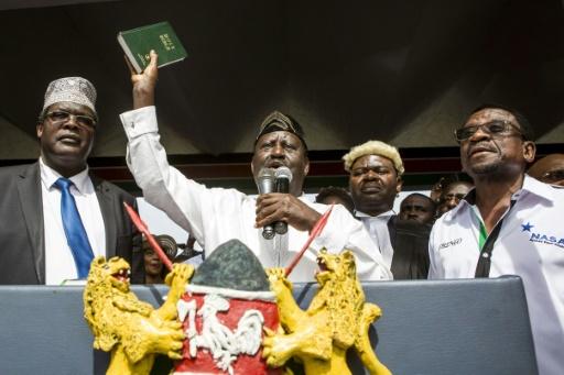 Kenya: l'opposant Raila Odinga symboliquement investi