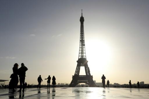 France: les recettes touristiques révisées en forte hausse