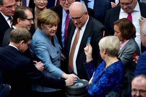Réfugiés : l'Allemagne restreint le regroupement familial