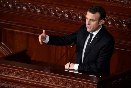 Le Printemps arabe n'est pas terminé, dit Macron à Tunis