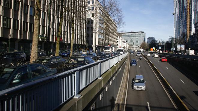 Deux accidents dans le tunnel Madou à Bruxelles: le tunnel est rouvert mais les files persistent