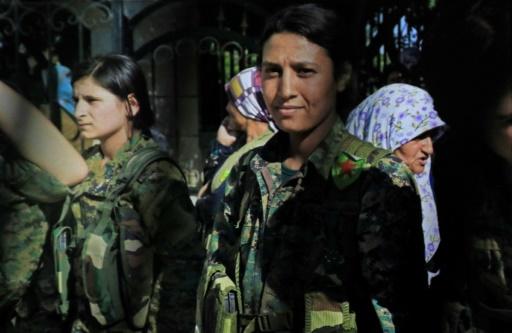 Syrie: cris de colère et de vengeance après la mort d'une combattante kurde