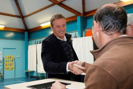 Affaire Daval: Dupont-Aignan défend Schiappa