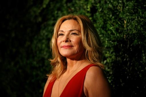 L'actrice Kim Cattrall annonce la mort de son frère après avoir signalé sa disparition