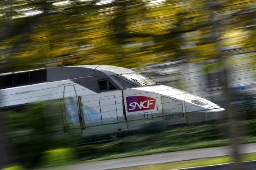 Plusieurs TGV en retard signalés en gare de Poitiers — Neige