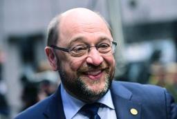 Les sociaux-démocrates obtiennent le ministère des Finances, Schultz quitte la tête du SPD