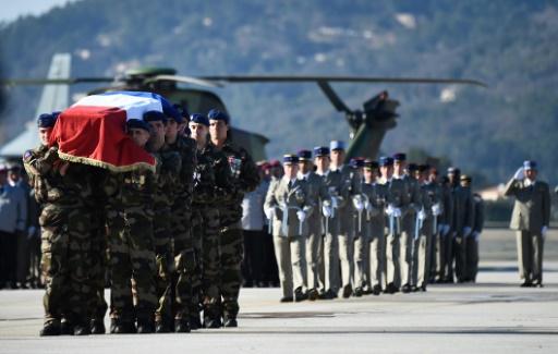 Hommage national aux cinq militaires tués dans un accident d'hélicoptères