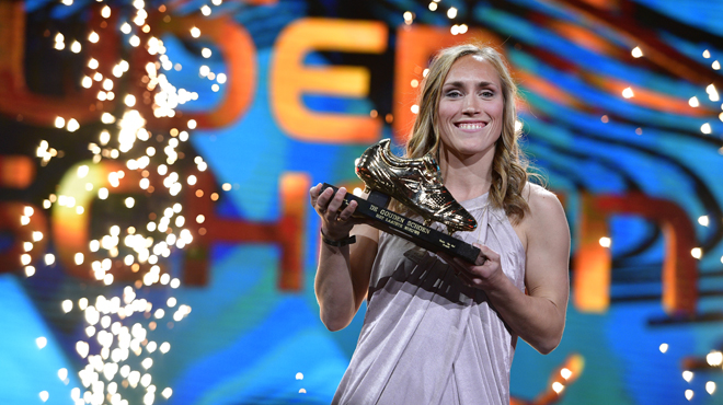 Soulier d'Or: Janice Cayman reçoit le Soulier d'Or féminin