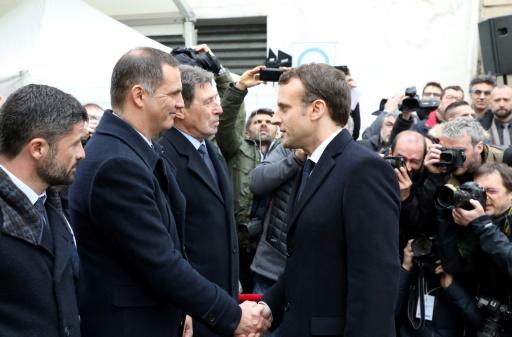Macron en Corse: des
