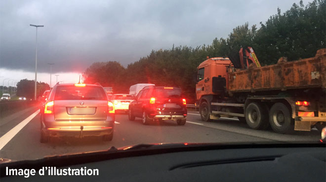 Des conducteurs piégés entre Courtrai et Tournai: