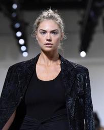 Harcèlement sexuel: le top-model Kate Upton accuse un fondateur de Guess