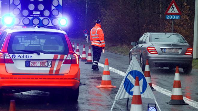 Un agent de police peut avertir de contrôles d'alcoolémie