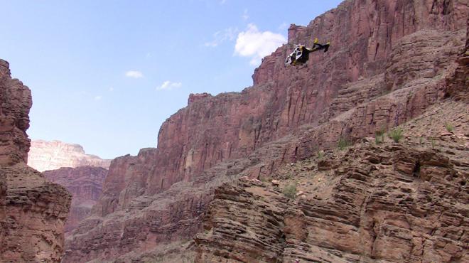 Un hélicoptère de touristes s'écrase près du Grand Canyon: l'accident fait trois morts