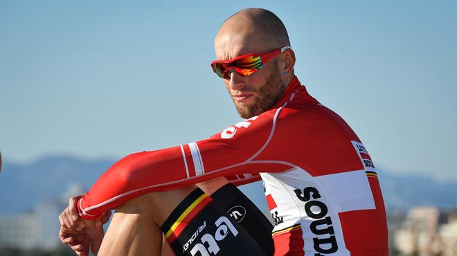 L'horrible blessure de ce coureur cycliste après avoir été heurté par une voiture (photos)