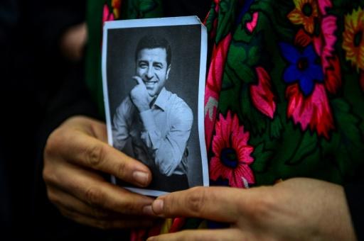 Turquie: le principal parti pro-kurde remplace son dirigeant incarcéré