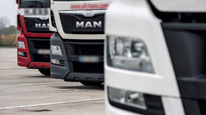 Herstal: un camionneur meurt en tombant de son poids-lourd