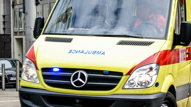 Un ambulancier abandonne son ambulance avec une patiente à l'intérieur en plein transport: l'homme aurait