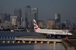 L'aéroport de Londres-City encore fermé lundi soir, sa réouverture prévue mardi matin