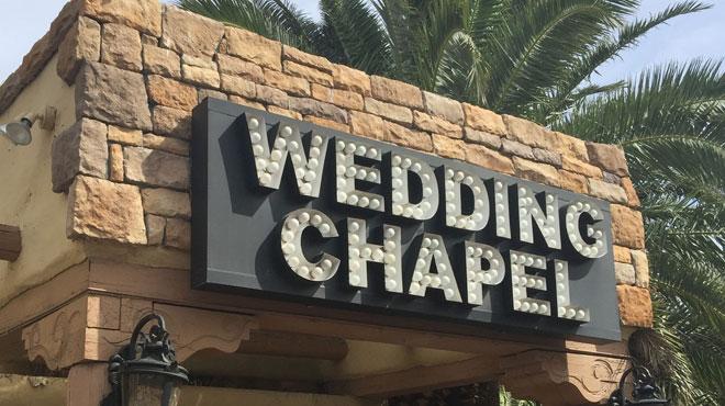 Permis de mariage au retrait des bagages, l'aéroport de Vegas l'a fait: vous pouvez vous marier encore plus rapidement