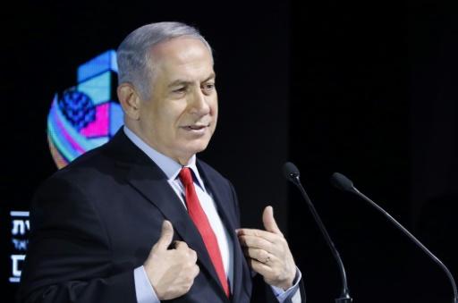 Menacé d'inculpation, Netanyahu assure que son gouvernement est