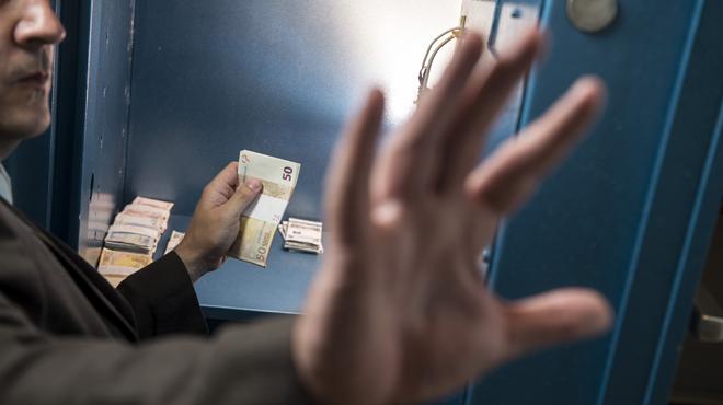Violent cambriolage à Roisin: de faux policiers tranchent le doigt de leur victime pour accéder à son coffre-fort