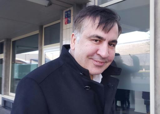 L'ex-président géorgien Saakachvili poursuit son