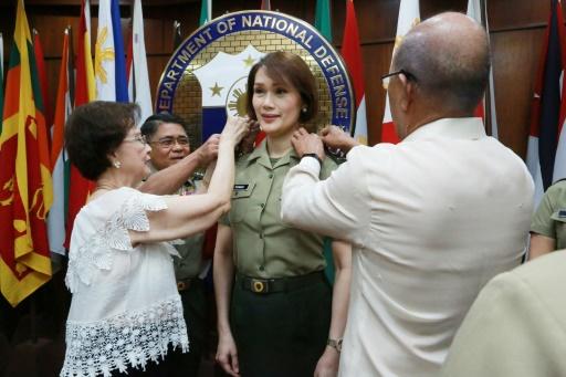 Premier officier transgenre dans l'armée philippine