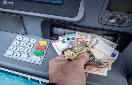 Le paysage s'éclaircit pour les banques françaises au défi du numérique