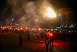 Marche aux flambeaux de l'extrême droite dans les rues de Sofia