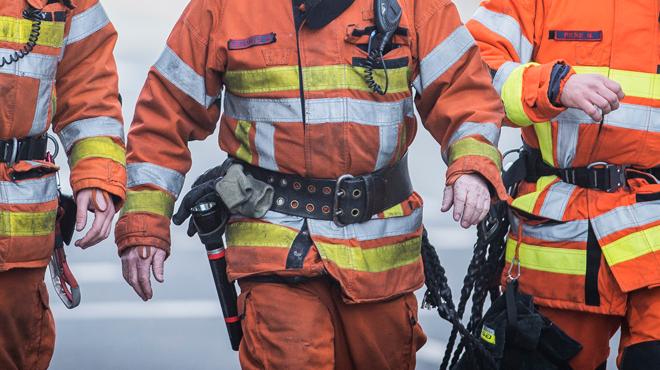 Une maison ravagée par un violent incendie à Mouscron: un couple réussit à échapper aux flammes mais pas leur chien
