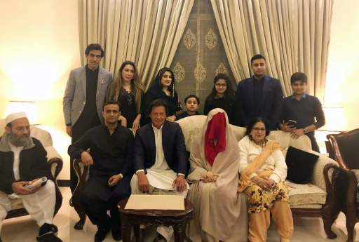 Pakistan: l'opposant Imran Khan convole pour la troisième fois