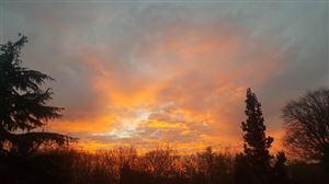 """""""Ciel de feu magnifique ce matin sur Presles, bonne journée"""""""