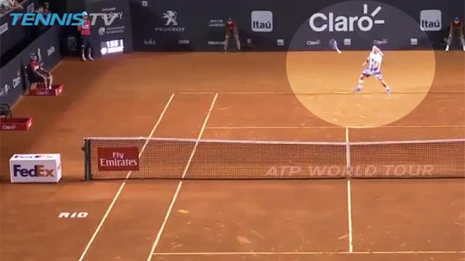 Fabio Fognini remporte un set après avoir lâché sa raquette — Tennis