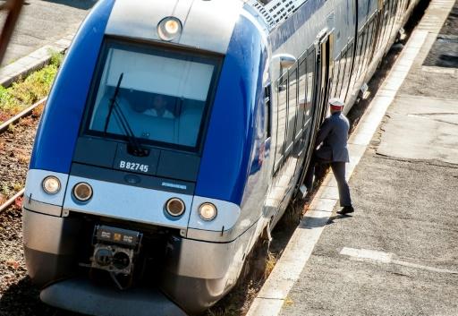 Réforme de la SNCF: les usagers demandent le maintien d'un