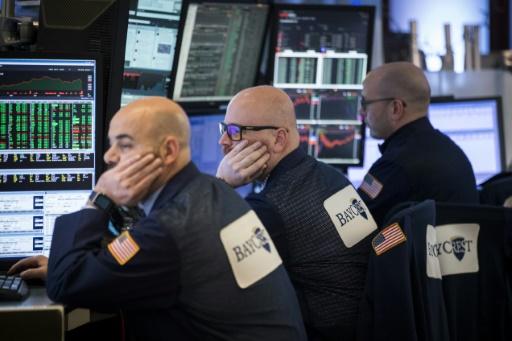 Walmart: les ventes en ligne ralentissent, Wall Street s'affole