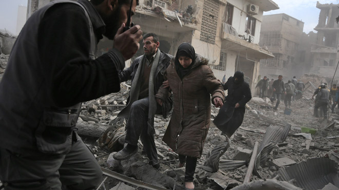 Le régime de Bachar Al-Assad s'acharne sur un fief rebelle en Syrie: 250 civils tués