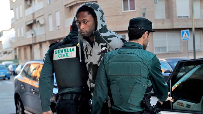 A quelques heures de son match d'Europa League, ce joueur de Villarreal arrêté à son domicile