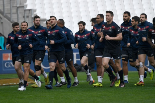 XV de France: veille de première avec Bastareaud