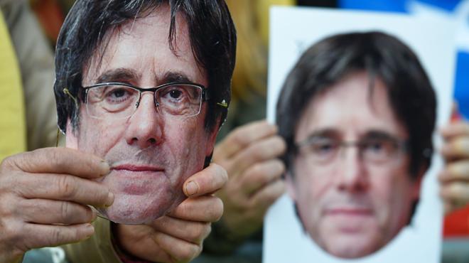 La police espagnole recherche Carles Puigdemont et... trouve un humoriste