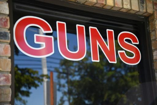 Aux Etats-Unis, les fabricants d'armes sous pression