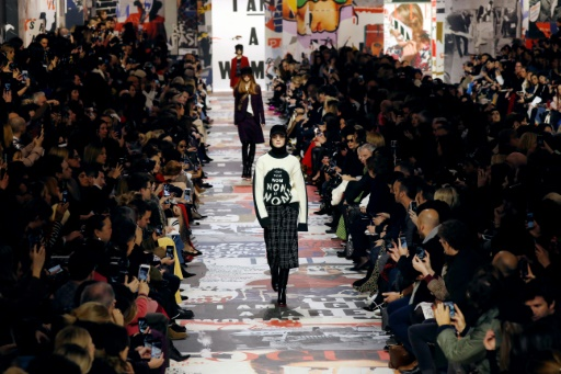 Fashion Week: Dior hippie, Saint Laurent tout en jambes