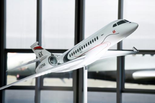 Dassault Aviation lance le jet d'affaires Falcon 6X pour remplacer le 5X