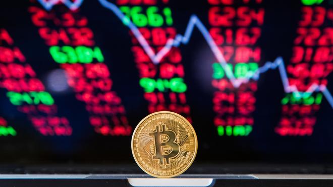 Vous investissez dans le bitcoin ou une autre cryptomonnaie? Attention, le fisc pourrait vous réserver une mauvaise surprise