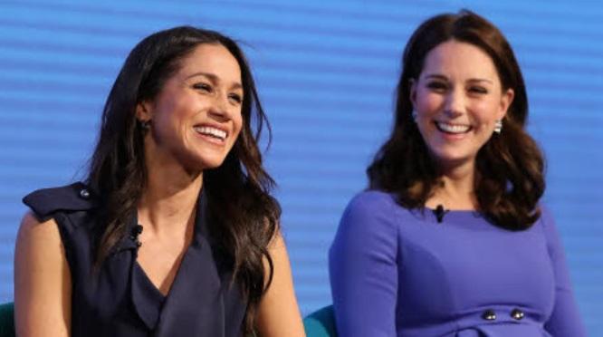 Kate Middleton et Meghan Markle planifieraient ENSEMBLE quelles tenues porter (photos)