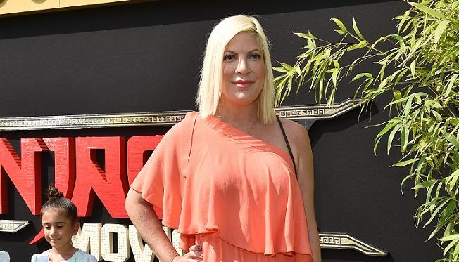 Tori Spelling alias Donna Martin de la série Beverly Hills 90210 pète les plombs: son époux appelle la police