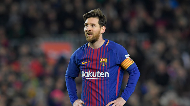 quand la maison de lionel messi emp che l 39 a roport de barcelone de s 39 agrandir photo rtl sport. Black Bedroom Furniture Sets. Home Design Ideas